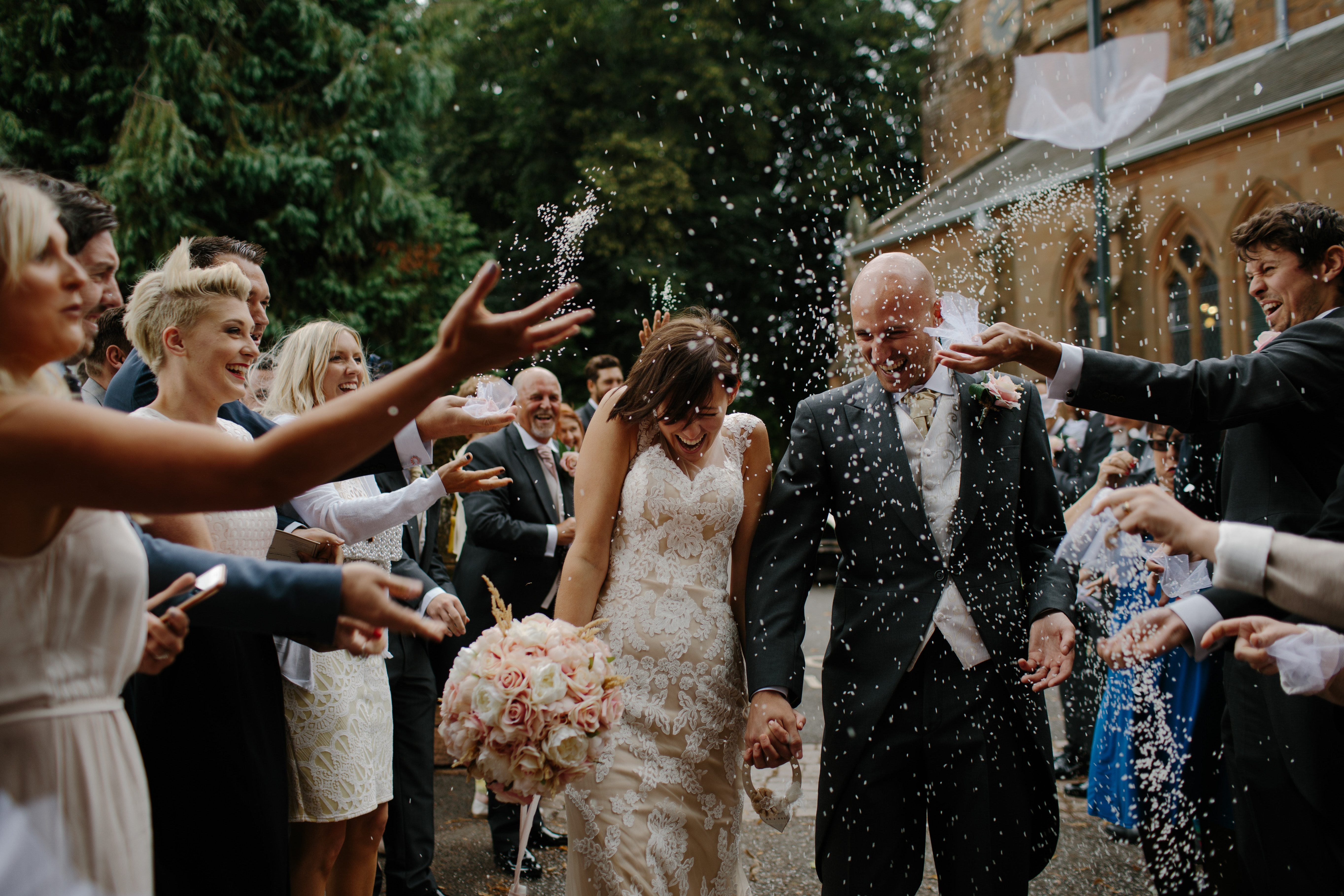 Here Comes The Savings 6 Ways To Stretch That Wedding Budget Vantage West Credit Union